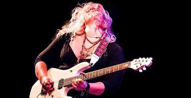 Chantel McGregor (UK) - kytarová senzace na Rampě