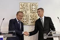 Předseda Evropské rady Donald Tusk (vlevo) a premiér Andrej Babiš v Praze