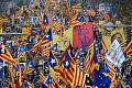 Katalánci v Barceloně demonstrovali za osvobození politiků