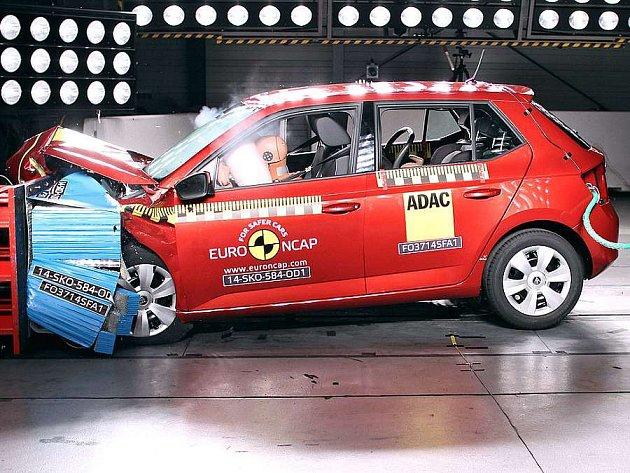 Škoda Fabia je podle testů Euro NCAP nejbezpečnější malé auto roku 2014.