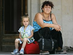 Naděje Gruzínců, kteří museli odejít ze separatistických regionů Abcházie a Jižní Osetie, na návrat domů se zmenšuje.