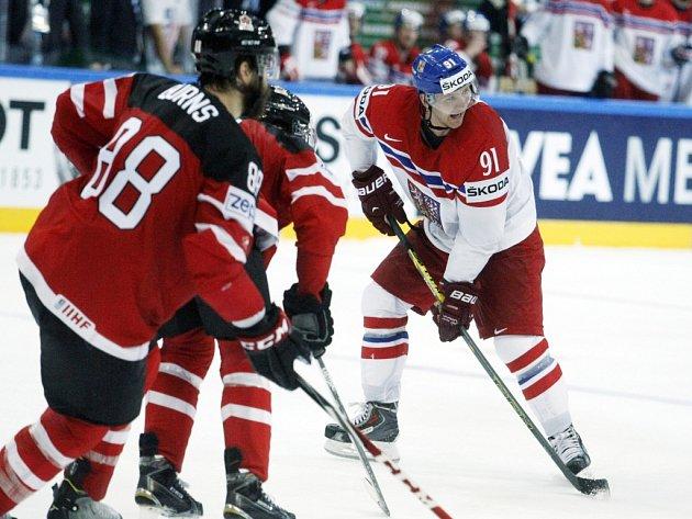 Martin Erat (vpravo) proti Kanadě.
