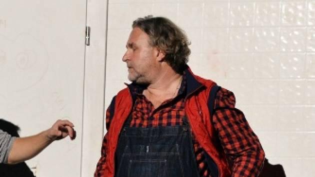 Jan Krafka v jedné z divadelních rolí