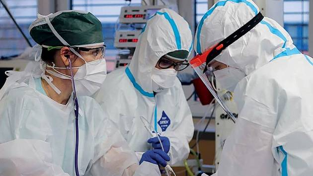 Ochranné pláště ze skautské dílny využívají lékaři vnemocnicích vcelém Jihomoravském kraji.