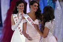 Jihoafričanka Rolene Straussová dnes vyhrála londýnské finále soutěže Miss World 2014. Druhá skončila zástupkyně Maďarska Edina Kulcsárová, třetí je Miss USA Elizabeth Safritová.