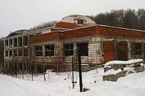Rozestavěná budova bývalé patologie v areálu Oblastní nemocnice Příbram.