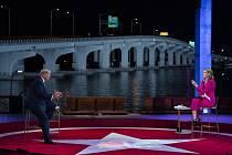 Americký prezident Donald Trump během debaty s voliči, kterou 15. října 2020 v Miami pořádala televize NBC.