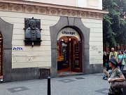Směnárna v Melantrichově ulici.