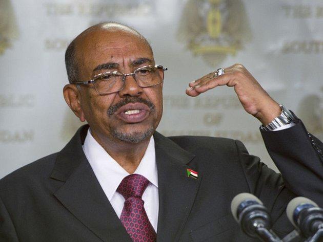 Mezinárodní trestní soud (ICC) vyzval jihoafrické úřady k zatčení súdánského prezidenta Umara Bašíra, na nějž ICC vydal v minulosti dva zatykače.