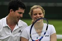 Proti Grafové s Agassim se postavila Kim Clijsterová s Timem Henmanem.