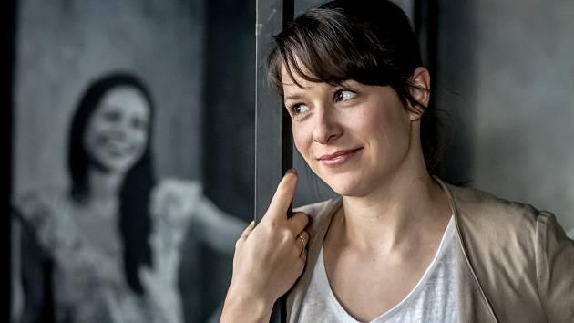 Veronika Kubařová: Lidé u divadla stanují, aby dostali lístky. Je to zavazující