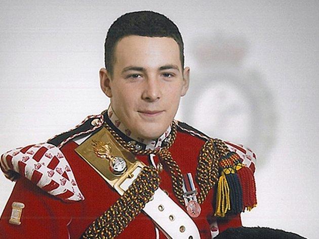 Britského vojáka Lee Rigbyho zavraždila podle policie v Londýně dvojice islamistů původem z Nigérie.