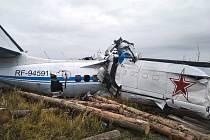 Trosky dvoumotorového letadla L-410, které se 10. října 2021 zřítilo v ruském Tatarstánu