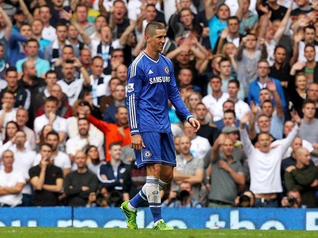 Zklamaý útočník Chelsea Fernando Torres.