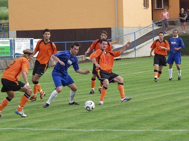 START PŘÍPRAVY. V prvním přípravném utkání na druholigovou sezonu pokořil Fulnek ligovou Olomouc
