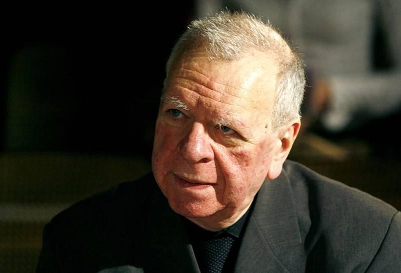 Slavnostní předávání cen Alfréda Radoka za rok 2007: Cenu za původní českou hru převzal Milan Uhde.