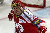 Martin Adamský z Třince se raduje z gólu proti Spartě.