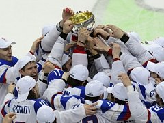 Rusko - Finsko: Oslava s trofejí