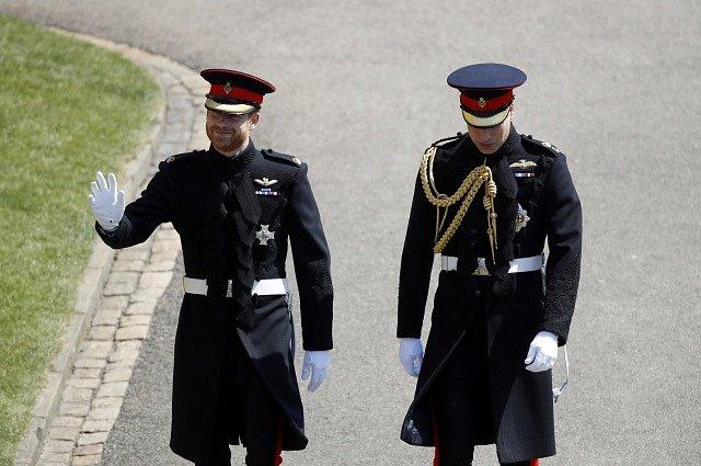 Ženich princ Harry s bratrem Williamem