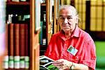 Práce v knihovnách je pro seniory jako stvořená. Chce to sumu znalostí a hlavně trpělivost.