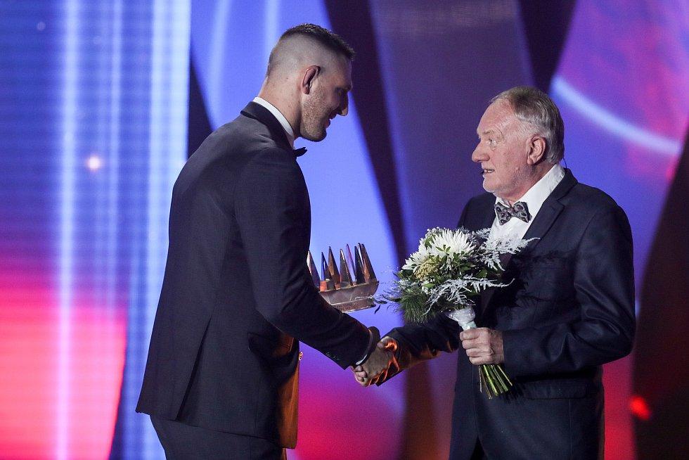 Ocenění Sportovec roku se předávalo 20. prosince v Praze. Na snímku Lukáš Krpálek a Luděk Sobota.