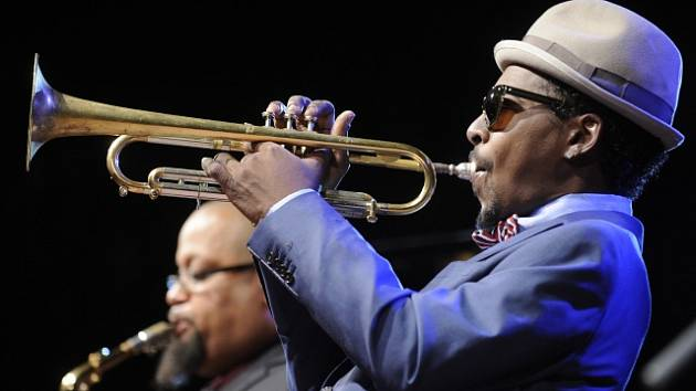 Americký jazzový trumpetista Roy Hargrove. Vystoupení 10. dubna 2012 s kvintetem ve Španělském sále Pražského hradu.