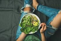 Člověk se musí naučit jinak jíst, vařit i myslet. Jakmile tohle dokáže, dál už je to snadné, říká veganka.
