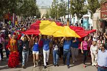 Státní svátek ve Španělsku a manifest za jednotu země.