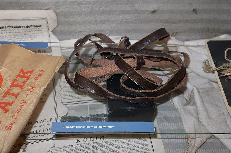 Tyto řemeny zajišťovaly kufry, v nichž bylo rozřezané tělo Vranské nalezeno. Vystaveno v expozici kriminalistiky Muzea policie ČR