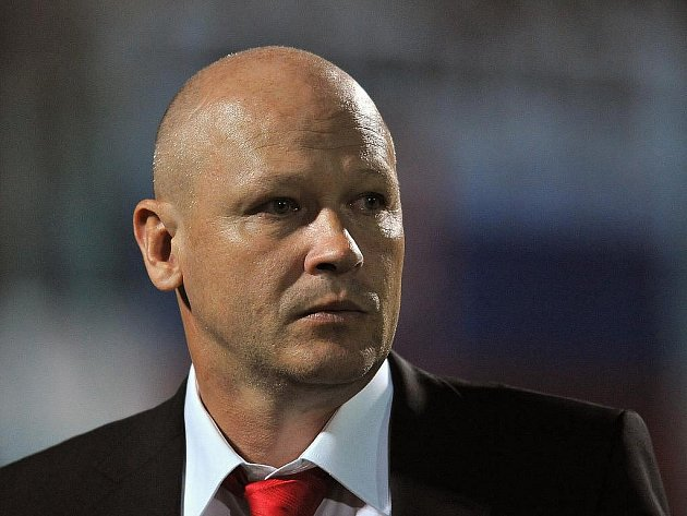 Fotbalový svaz bude po bývalém vedení ČMFS vymáhat škodu až do výše 24 milionů korun, která podle auditu vznikla jeho špatným hospodařením ve třech případech. Představitelé svazu to oznámili po dnešním jednání výkonného výboru.