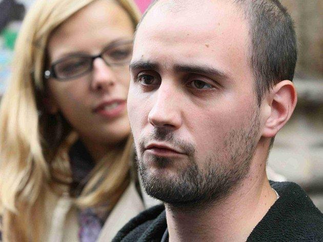 Útočník Pavel Vondrouš použil proti prezidentovi plastovou pistoli