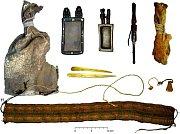 Obsah koženého vaku objeveného v Bolívii