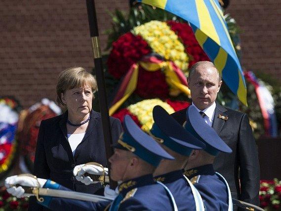 Kancléřka Merkelová s prezidentem Putinem v Moskvě.