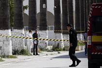 Policisté hledají důkazy v okolí muzea Bardo.