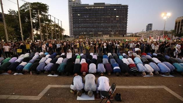 Desítky tisíc izraelských Arabů a Drúzů protestovalo v Tel Avivu proti zákonu o židovském národním státu