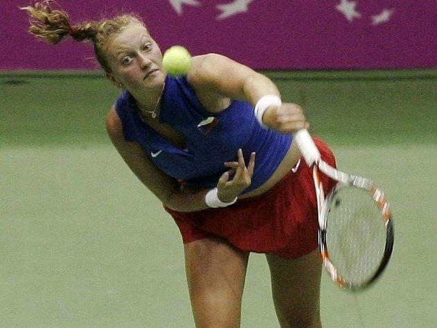 Petra Kvitová vybojovala první bod proti Bethanii Mattekové-Sandsové.