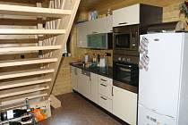Kuchyň není velká, ale je v ní vše co hospodyňka potřebuje.