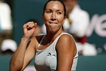 Vítězné gesto Jeleny Jankovičové. Turnaj v Marbelle jí vyšel na jedničku.