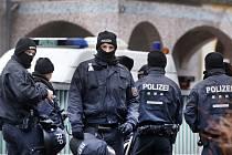 Německá policie, němečtí policisté - ilustrační foto