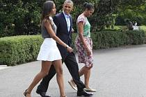 Americký prezident Barack Obama v doprovodu svých dcer. Ilustrační foto.