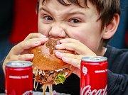 Burger festival u Nové Karoliny.