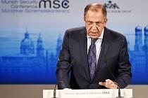 Ruský ministr také apeloval na to, aby Západ nedodával ukrajinské armádě zbraně.