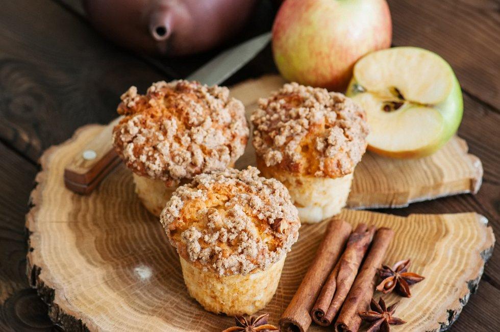 Jogurtové muffiny s jablky