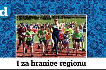 Bývalá česká atletka Ludmila Formanová při rozcvičce s dětmi.