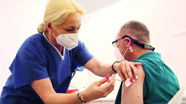 Očkování máte za sebou dříve, než se nadějete