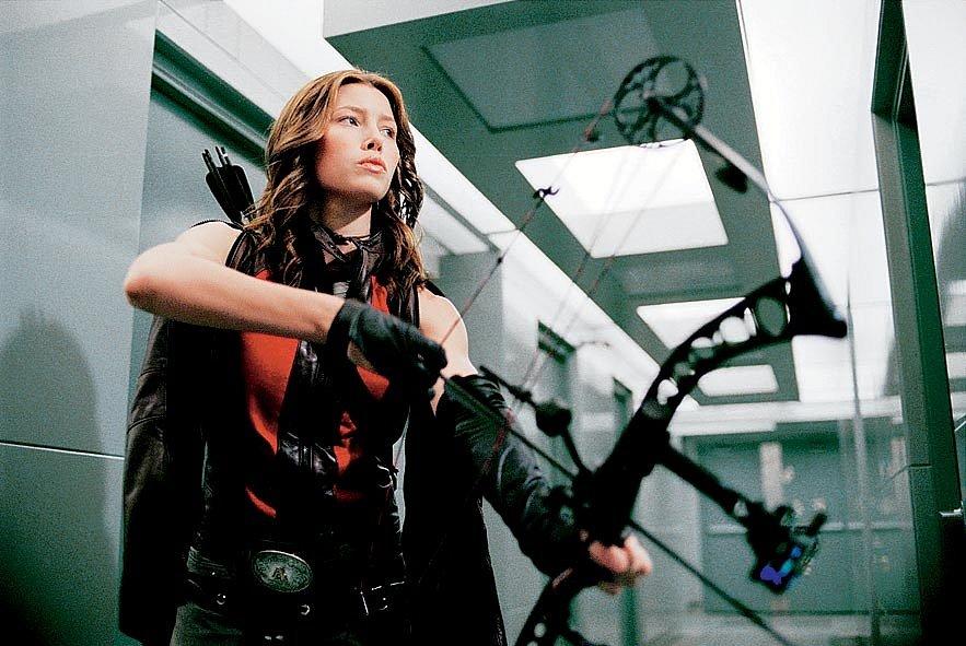 V dobrodružném fantasy Blade: Trinity z roku 2004 si zahrála po boku Wesleyho Snipese roli nebezpečné Abigail, lovkyně upírů ze světa lidí, která chce stejně jako legendární Blade vyřešit upíří otázku.