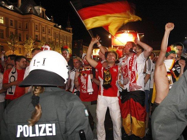 Po zápase Německo - Polsko bylo zadrženo 157 fotbalových fanoušků.