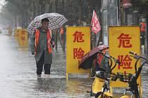 Záplavy ve městě Wu-č v centrální Číně, 20. července 2021