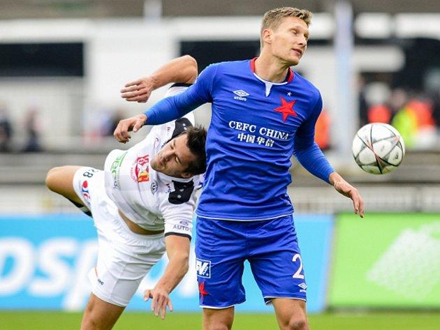 Milan Škoda ze Slavie (vpravo) a Adam Vlkanova zHradce Králové.