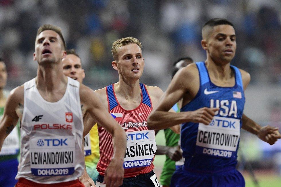 Filip Sasínek v rozběhu na 1500 metrů